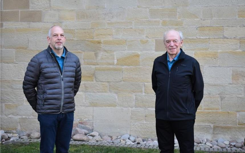 Thomas Hiller ist seit 40 Jahren Teil des Bondorfer Posaunenchors, sein Vater Richard Hiller seit 75 Jahren – einzigartig in Württemberg GB-Foto: Gieseler