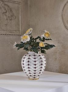 Bertozzi & Casoni, Vaso con dalie bianche , 2014