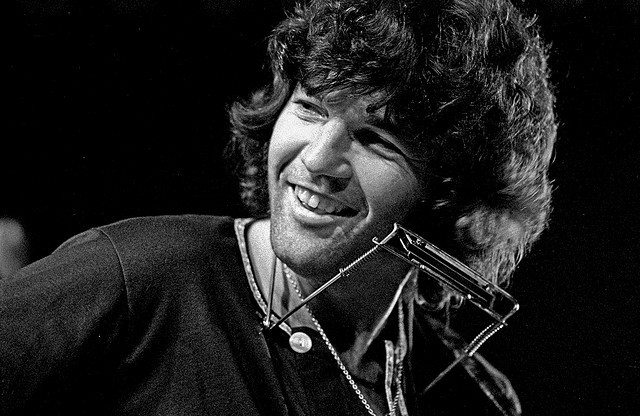 Tony Joe White negli anni Settanta...