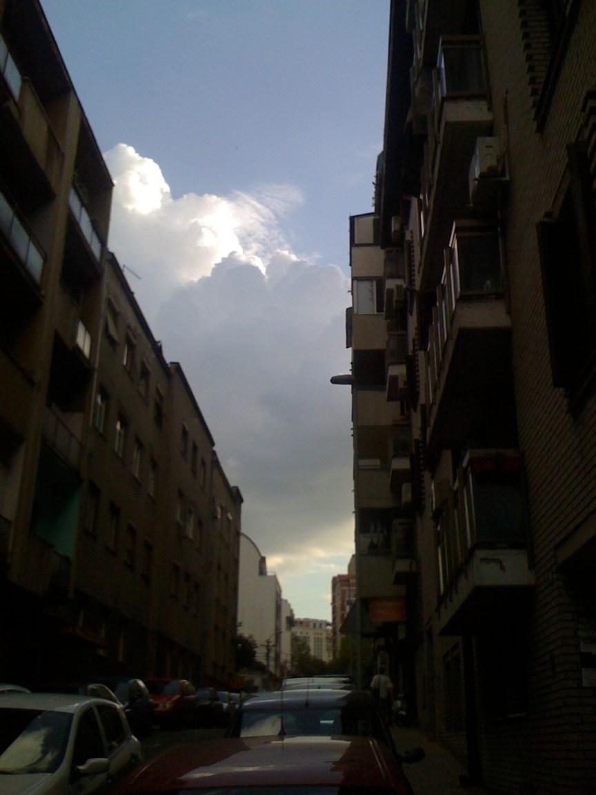Promenjivo do mestimično oblačno... u stvari ništa niej rečeno