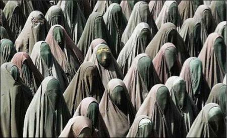 Iran Teocrazia Odio Donne