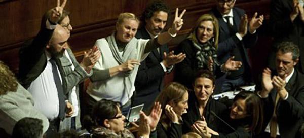 m5s-fanatici-parlamento