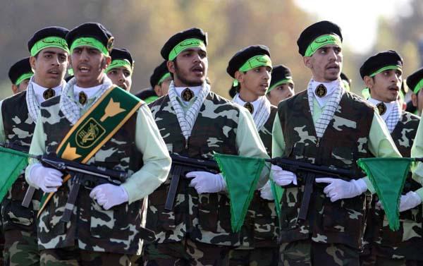"""Ragazzi di Tehran: ciò che succede in Iran sarebbe tutta colpa di quel """"cattivone"""" di Trump?"""