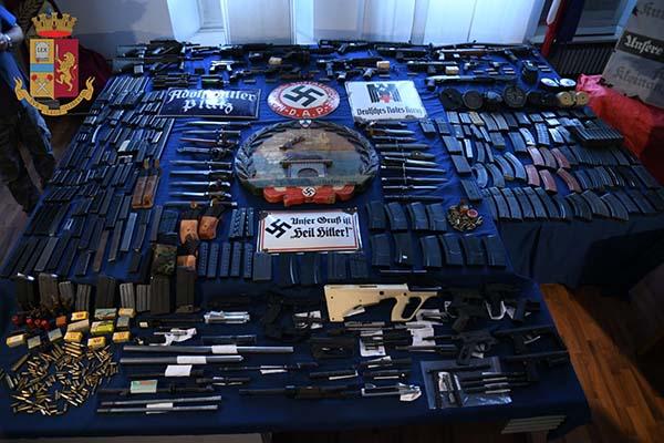Arresti della DIGOS negli ambienti dell'estrema destra: sequestrate armi, munizioni, fucili da guerra e un missile aria-aria