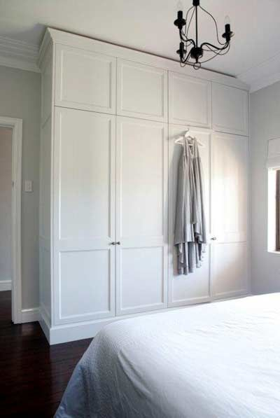 Cabina armadio bianca foto