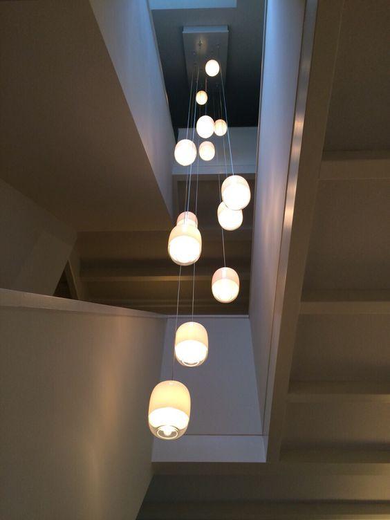 Illuminare la scala con luci