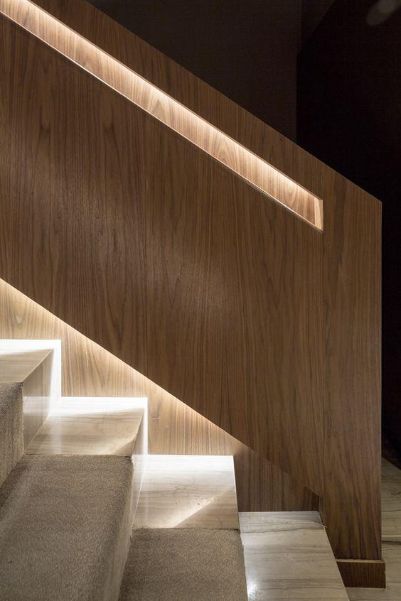 Illuminare la scala illuminazione gradini led