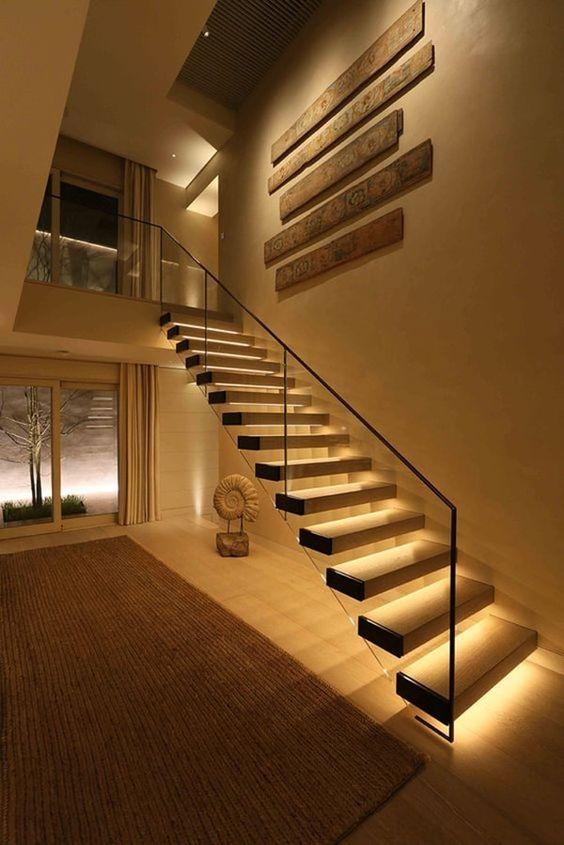 Illuminare la scala con led sotto gradini