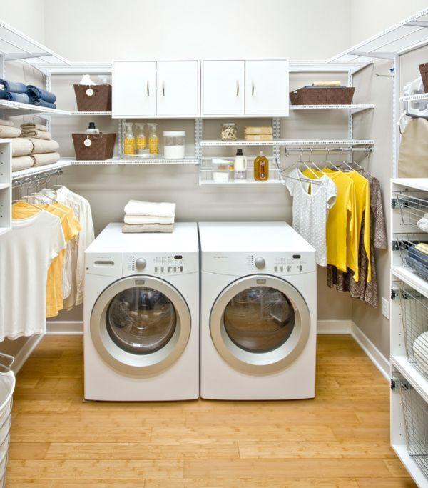 Arredamento lavanderia con asciugatrice