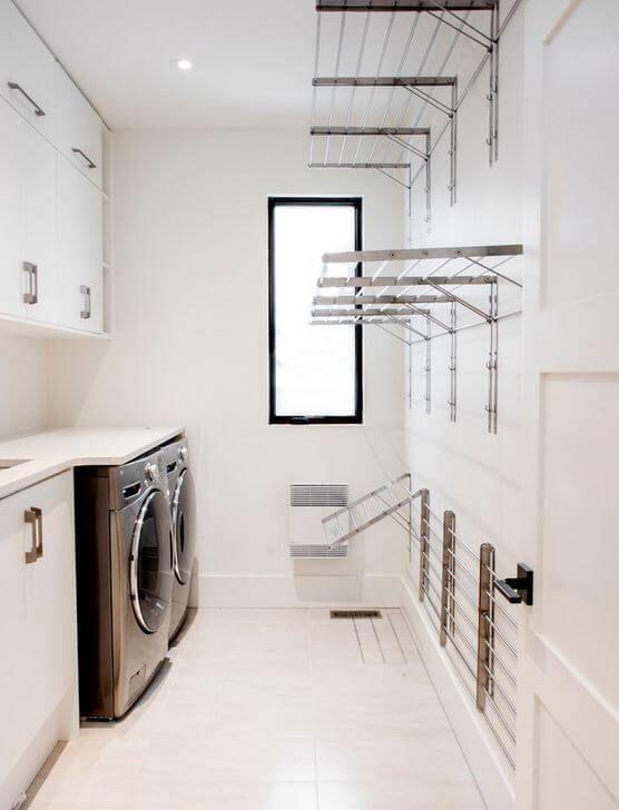 Arredamento lavanderia con stendini