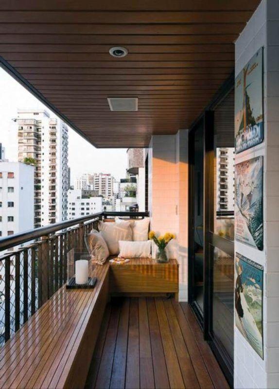 arredo in legno balcone stretto e lungo