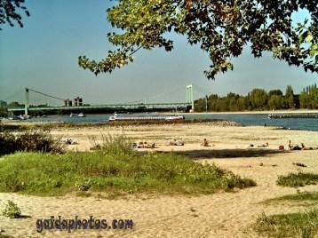 Köln Rodenkirchen: Rheinufer
