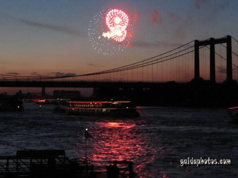 Kölner Lichter 2010: Feuerwerk Fotos