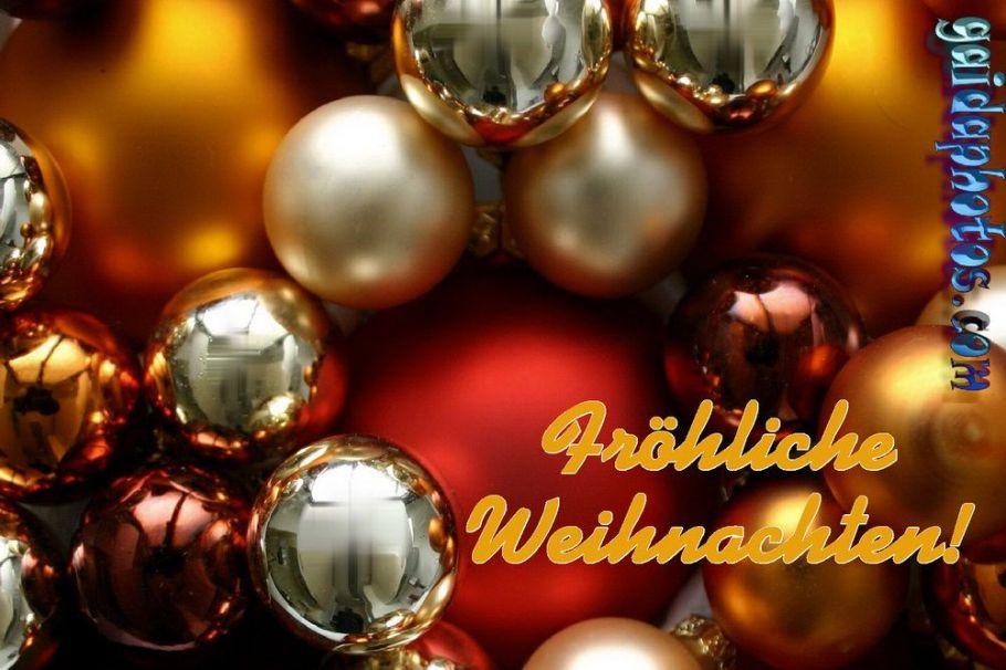 Fröhliche Weihnachten Karte mit Weihnachtskugeln