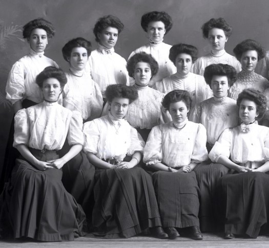 College women of the Edwardian period.