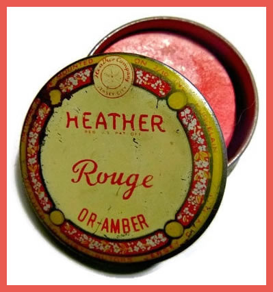 Edwardian makeup - rouge pot.