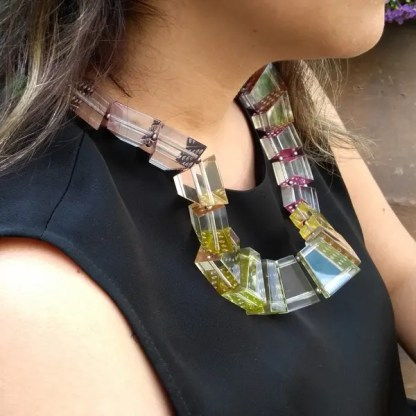 Serpentine necklace - side view