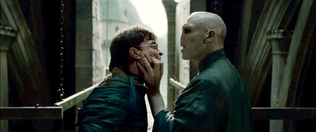 "Video: Voldemort le canta ""Uptown Funk"" a Harry Potter"