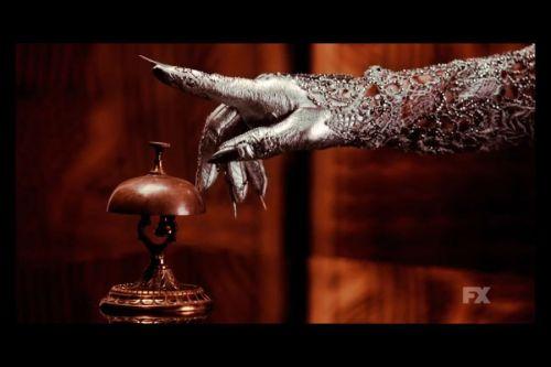 Lady Gaga -o una parte de ella- en el 1er teaser trailer de American Horror Story: Hotel