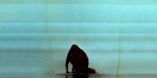 """A knife in the ocean"", nuevo lyric video de Foals"