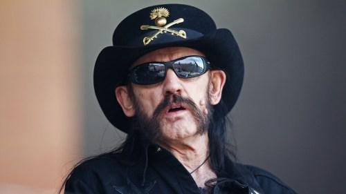 Dave Grohl se tatúa en homenaje a Lemmy Kilmister