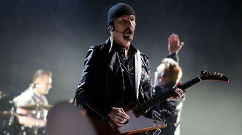 U2 y Eagles of Death Metal comparten escenario en París