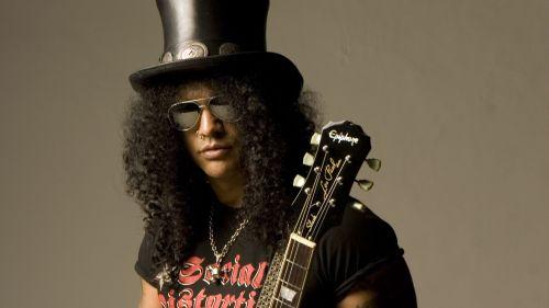 "Slash también rinde tributo a Lemmy: toca ""Ace of Spades"""
