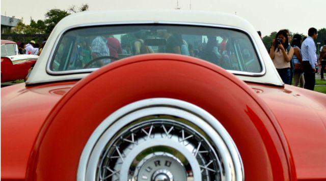 Fotos: Autos, copetes, crinolinas y bailes en la UNAM