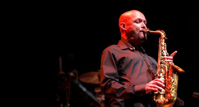 Ponle play: discos nuevos de Muna, Jens Lekman y Miguel Zenón