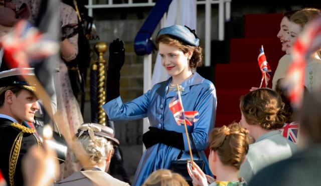"""La reina envejece y el imperio se cae en el primer tráiler de la segunda temporada de """"The Crown"""""""