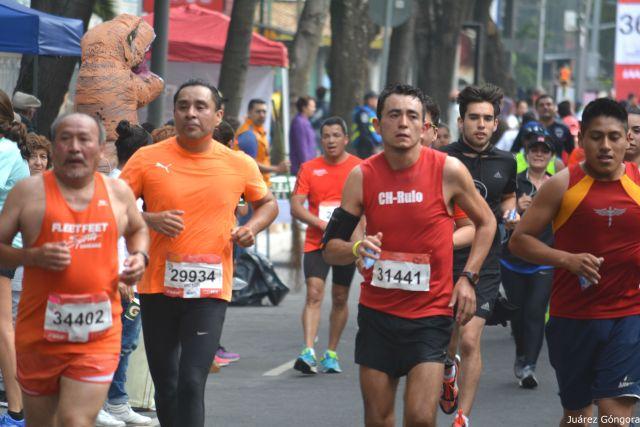 Fikadu Kebede y Gladys Tejada ganan la Maratón de la CDMX