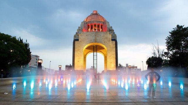 Concierto en el Monumento a la Revolución por lucha contra el VIH/Sida