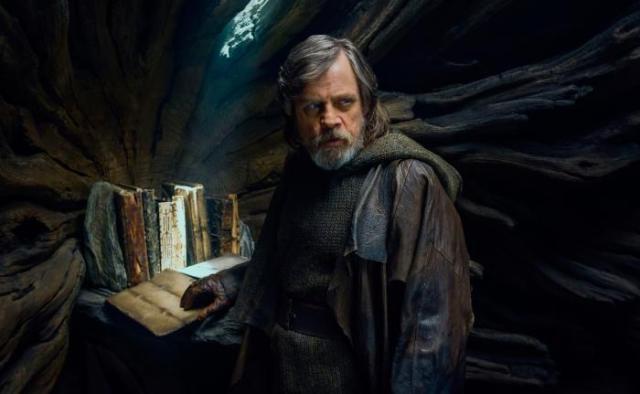 """""""Star Wars: los últimos Jedi"""": Luke Skywalker vuele al Halcón Milenario en un nuevo avance"""
