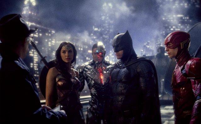 Liga de la Justicia: un batido de superhéroes que sólo quieren agradar