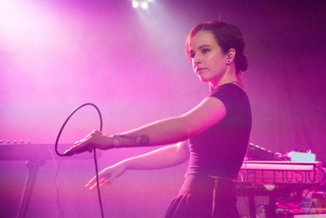 Ponle play: discos nuevos de Rina Sawayama, The Neigbourhood y Ela Minus