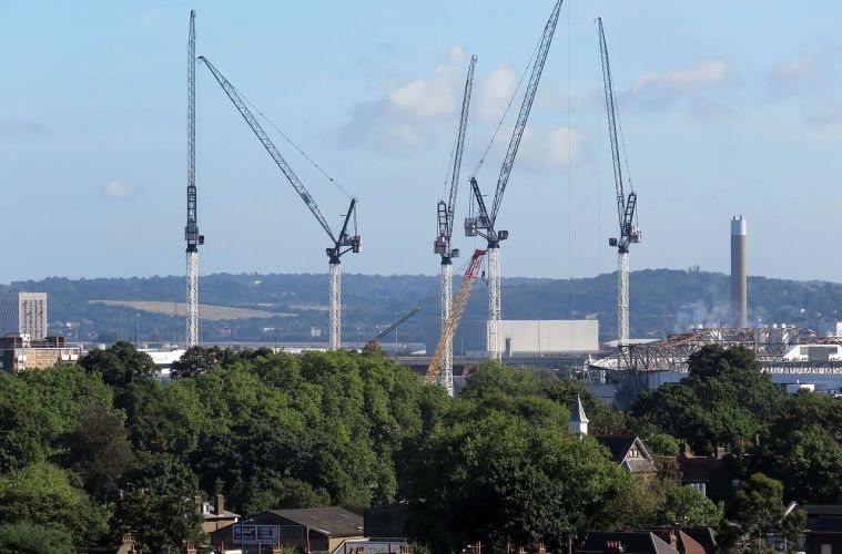 Cranes at Tottenham Hotspur stadium