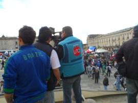 Medios en manifestación contra destitución de Gustavo Petro