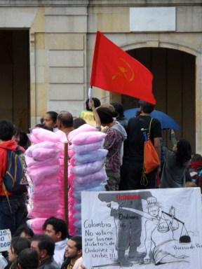 Partido Comunista en manifestación contra destitución de Gustavo Petro