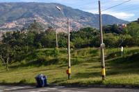 Zona verde posterior a la portería en Amazonía, Bello