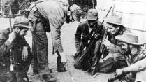 Fidel dirigiendo tropas desde Sierra Maestra. Foto: Radio Rebelde - Cuba