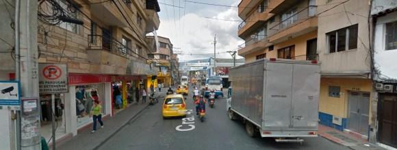 Esta era la vista mia, sólo que en vez de camión había un bus.