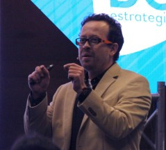 Carlos Naranjo, asesor en políticas.