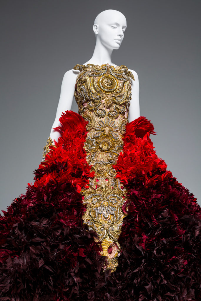 Guo Peis Stunning Gowns Go On Display In Her First US