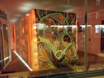 ADLER A.F.: >Du bist nicht allein< 2012, Rupfnbild, hochwertige Farbpigmente auf Hanfgewebe, Größe: 440 cm x 220 cm