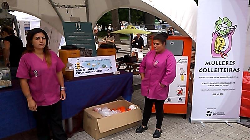 A Illa do Reciclaxe de Mulleres Colleiteiras no Festival Mar de Mares