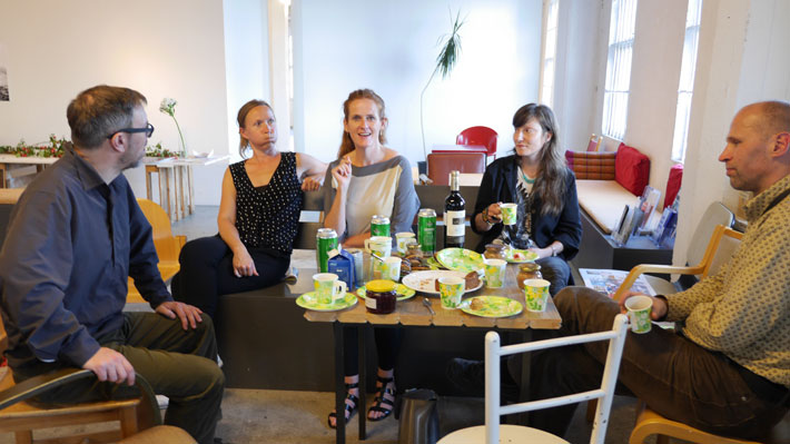John Grzinich and Evelyn Müürsepp from MoKS, Maria Kerin from Outrider Artists hosting the 4 O'Clock TEAS, Johanna Lonka, Outrider Artist friend, and Sven-Erik Stamberg from Vedelik