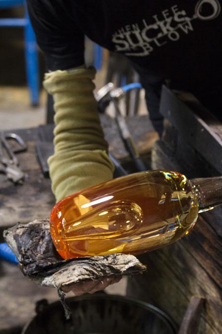 Uutteen tekoprosessista: Kolin kansallispuisto ja Mineraalilaboratorio Mila sekä lasiesineiden puhaltaminen lasistudio Lasismi