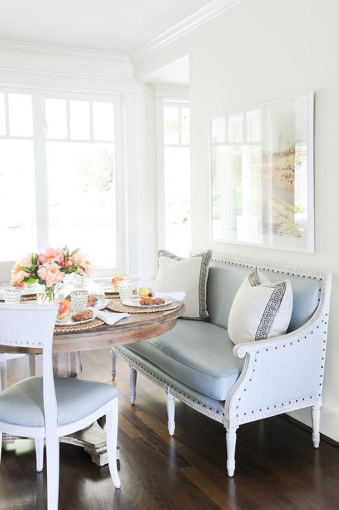 Perfect banquette seat and round dining table. Friday's Favourites, Gallerie B