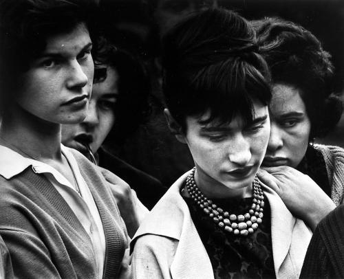 https://i2.wp.com/www.galleryintell.com/wp-content/uploads/2015/08/Dave-Heath-Washington-Square-New-York-City-1960.jpg