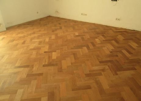 Pemasangan lantai kayu Herringbone 2